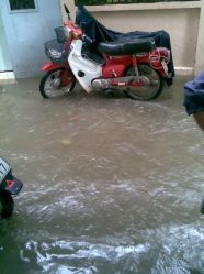 Cathy (moto) in the floods