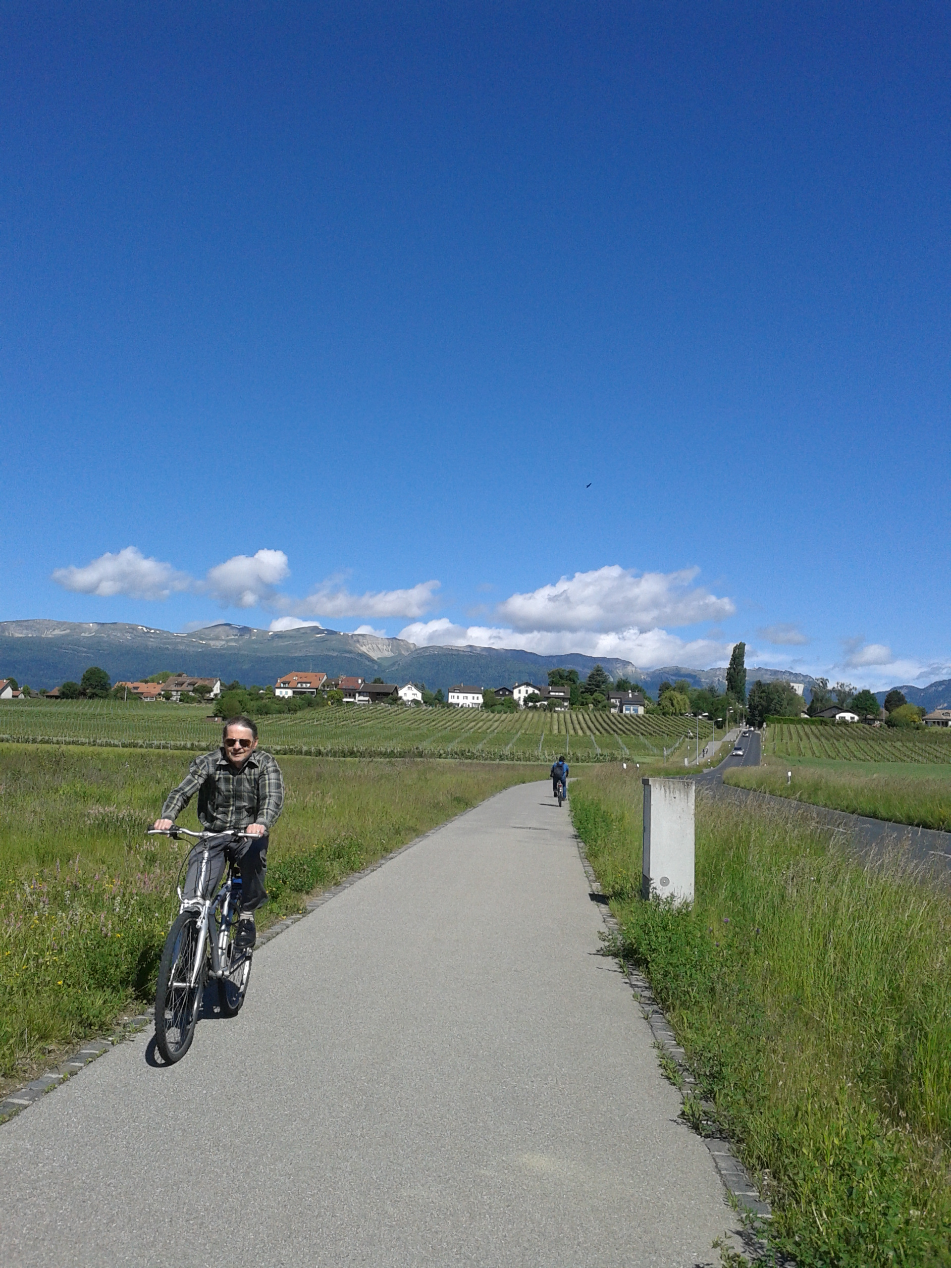 CERN is bikeable from GVA
