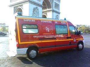 les POMPIERS = firemen!